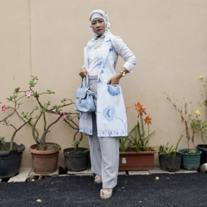 Musfes ~ Katalog ramadhan soon yaa . Dont judge ....#clozetteid  #fashion #hijabers #fashiondiaries #ootdhijabindo #lifestyleblogger #fashiondaily #outfitoftheday #exploresolo #hijaberstraveller #lookbookindonesia #fashiongram #fashionpost #instafashion #streetwear #hijabindokece #fashionaddict #busanamuslim #streetstyle #ootdhijabnusantara #pakaianmuslim #instajokam #hijabindokece #fashionista #fashionblogger