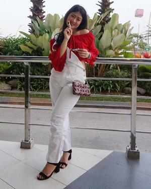 Yukk Mari Tebarkan Semangat Merah Putih untuk Merdeka(kan) Meraih Hati Si Gebetan 😂😂😂......#clozetteid #ootd#fashiondiary #fashiondiaries #ootd #ootdfashion #ootdfash #wiw #wiwt #outfitinspo #outfitideas #outfitdaily #outfitinspiration #fashioninspo #fashioninspiration #styleinspo #styleinspiration #ootdmagazine #ootdshare #whatiwore #whatiwear #whatiworetoday #whowhatwear #outfitgoals #celinenecklace #stylediary #stylediaries #styled #styledbyme