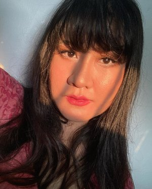 Golden sun 💕, no filter & no editTernyata warna mataku coklat ☺️ tanpa perlu softlens __#like4likes #clozetteid #love #fff #lfl #l4l #ootd #photography#selfie #셀스타그램 #강남 #일상 #소통#일상스타그램 #소통스타그램 #좋아요#좋반 #선팔 #얼스타그램 #셀카 #셀피#좋아요반사 #likeforlikes #likeforlike#likeforfollow #iphonese2