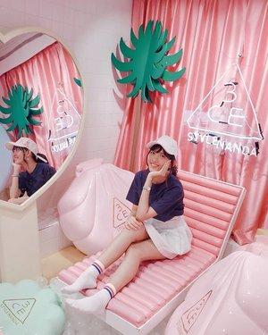 ピンクプール 🍹🌴🌺 #pinkpoolcafebangkok #stylenanda #thailand