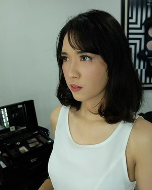 Aku @didandanintisya nih �Ceritanya soft flawless makeup biar kaya Meghan Markle gitu (amin) #didandanintisya #nofilter