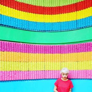 Yang baju merahJangan sampai lepas.Have a great July,  sobat kece!.#stylieandfoodie #livelovelifelaughlust #blogger #bloggerceria #tetapsemangat #365post2019 #ootd #clozetteid #stylie #therealoutfitgram #styledaily #dailystyles #streetstyle #realoutfitgram #thestreetograph #looksootd #lookbookindonesia #fashionblogger #styleblogger #style #fashion #fashionbloggerindonesia