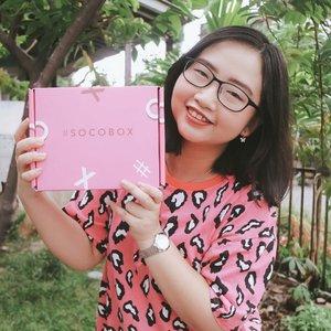🍂 ᒍᗩᑎᑌᗩᖇI 22, 2020.Masih inget sama SOCO BOX #BESTOF2019 @sociolla yang pernah aku share di IG Story? Sekarang, aku up juga nih di IG Feed dan sekalian mau kasi tahu mana yang jadi favorit aku ❤️ Simak yuk!.✨ 𝚂𝙾𝙲𝙸𝙾𝙻𝙻𝙰'𝚂 𝙱𝙴𝚂𝚃 𝙾𝙵 𝟸𝟶𝟷𝟿 ✨.• 𝐒𝐄𝐂𝐑𝐄𝐓 𝐊𝐄𝐘 @secretkey_idn - Starting Treatment Essence Rose Edition• 𝐁𝐈𝐎𝐃𝐄𝐑𝐌𝐀 @bioderma_indonesia - Sensibio H2O• 𝐂𝐈𝐓𝐑𝐀 @cantikcitra - Fresh Glow Multifunction Gel Aloe Bright UV• 𝐌𝐄𝐃𝐈𝐇𝐄𝐀𝐋 @mediheal_idn - I.P.I Lightmax Ampoule Mask• 𝐑𝐀𝐈𝐊𝐔 @raikubeauty - Brightening Serum.Banyak banget kan? Seneng aku tuh karena artinya stock skincare ku makin banyak juga. Nah, yang jadi favorit ku adalah Raiku Brightening Serum & Secret Key Starting Treatment Essence. Serum nya Raiku punya packaging baru yg pastinya lebih travel friendly. Sedangkan, Essence nya Secret Key emang bagus dan cepat meresap di kulit 💖 ...#AforAlinda #Alindaaa29 #Alinda #SOCOID #SOCOBOX #BESTOF2019 #Sociolla #BeautyJournal #BestSkincare #ClozetteID #BloggerSemarang #VloggerSemarang