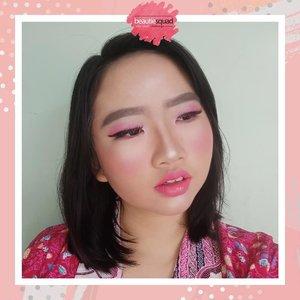 "Yeay, this my makeup collaboration with @beautiesquad 🌈 Cutest theme ""One Color Makeup"" and I choose PINK for my makeup look, karena aku pribadi memang cenderung lebih sering pakai eyeshadow pink untuk daily look aku Hehe 🌼.Now, Check this out! Our makeup collaboration with @beautiesquad :Banner 1 @reginanapitupulu@depruttt@arifanuryani @arianirosidi @Khoirurosida @awlrw@dillafdiah @jennitawijaya @ekakuncoro @christinauntari @tamioktari Banner 2@heytarra@niiasantoso @ranisansan @gitaindraswari @hestioktaviawati@jurnal_madamabi @emputtt_mputtt@budiartiannisa@yosairfiani @olaole22@rizkasuranti @litariantiiiBanner 3@luellaartistry @lucyliu09@isthiud @elsaliora @shantygus @alindaa29 @arvi.n @deamutiaraaa@puputfebriina @nanditadtya_@nadiahasyir @meirinchan8#AforAlinda #A #alindaaa #alinda #alindaaa29 #ClozetteID #byalindamakeup #Beautiesquad #BSAugCollab #BSCollab #OneColorBS #MonochromeMakeup"