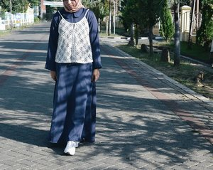 My Ied style 👗👟🕌 #HolidayStyle no.2 . . . . . #ootd #ootdhijab #ClozetteID #chichijab  #hijabfashion  #hijabstyle #casual #vsco #photooftheday  #instahijab #instagood #instagram