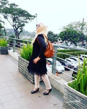 Thu, June 22nd, 2017--- #Ngabuburit #Ramadhan2017 !... Cieeh... always prepare #LittleBlackDress hehehe... 🍜🍛🍲🍝 - - - - - - - #clozetteid #fashion #style #hootd #modestfashion #modestwear #bukber #CibuburJunction #foodhunter #foodtraveler