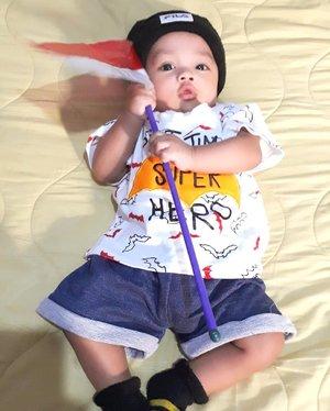 Sat, August 17th, 2019--- 🇮🇩🇮🇩🇮🇩 #HappyIndependenceDay #Indonesia ! #Merdeka !!! 🇮🇩🇮🇩🇮🇩 #ArtanabilRafisqyErlan (#4monthsoldbaby ) felt excited with #IndonesianFlag #SangSakaMerahPutih . His Granny (Eyang dan Opa) gave him as a  present . Thank you Eyang & Opa 😘👵🧓 ---#nhkkawaii #kawaiibaby#kawaiiakachan#babyootd#clozetteid #myson#mybabyboy#parentinglife