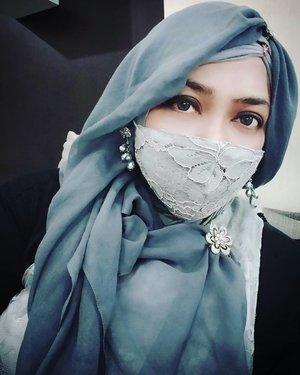 Tue, June 16th, 2020--- at #RSSalak #Bogor in #silver 🌹😊. Alhamdulillah aman 😉----#clozetteid #hootd #kawaiihijab #modestwear #modestfashion #newnormal2020 #LaceMask