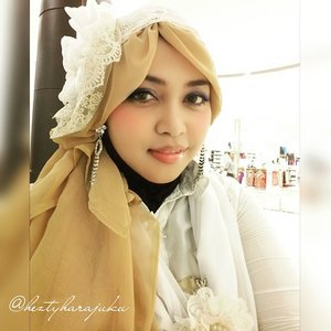 July 20th, 2015 🚘🚞🚗 #GoDiscover #ClozetteID #CordovaTravel #TravelinStyle 🚗🚞🚘 #heztyharajuku #JFashionJumpers #FashionCommunity #Jakarta #Indonesia in #hijabchallenge #ootd #hotd #fashion #style 🌸🍥🌸#instafashion #modestfashion #modesty #stylish  #scarf #headscarf #vintagestyle #vintagefashion  #eidholiday #kawaii  #Eid2015 🌸🍥🌸...white and beige kinda day... exploring #Japanese shopping mall  @aeonmallbsdcity as #stylishtraveler #travelvlogger.