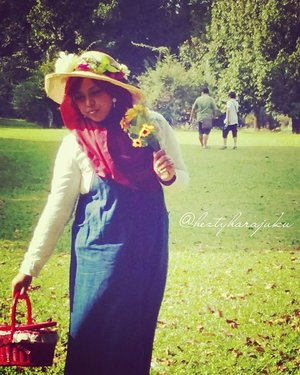 Sat, Jan 9th, 2016--- 🌻🌻🌻Alhamdulillah yaa... bisa foto outdoor lagi... bosen foto indoor mulu hihihi let's go picnic!!...?😂😂😂 #Himawari #Hime @clozetteid #ClozetteID #fashion #style #modestfashion #coveredstyle #headscarf #scarf #strawhat #flowers #instafashion #fashiongram #hijabiandfab #modesty #stylish #stylishtraveler #morigyaru #modest #gyaru #kawaiistyle #garden #picnic #picnicbasket #visitBogor #bogortrip #Bogor #botanicalgarden 🌻🌻🌻