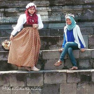 "August 27th, 2015 ---- #MuslimahTraveler Day 2 : #MuslimLolita explores #Yogya #Candi ( #Sambisari and #Barong ) 👜👠🚘...Pagi! Ohayou! Morning! Today I will explore 2 Candi ( #hinduism #temple ) in Yogya, Candi Sambisari and Candi Barong with my family 😉. Feel excited! My #OOTD is Muslim Lolita Princess with Batik Lawasan and headscarf.🚘👠👜 …ps: calon #sisterinlaw lagi ditularin dressup and makeup juga supaya ada ""partner in crime"" waktu jalan2 bareng keluarga besar 😂😂😂 #muslimahindonesia #modestfashion #coveredstyle #headscarf #scarf #candisambisari #lolitastyle #traveling #trip #journey #ClozetteID #vintagestyle #hijabi #Indonesia #instatravel #instafashion  #batikindonesia #visityogyakarta #stylishtraveler #travelgrammer"
