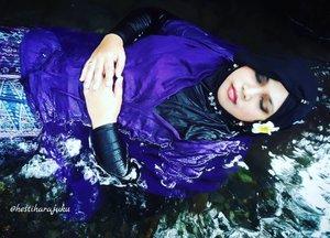 "LATEPOST: May 3rd, 2017--- Theme: #DewiNawangWulan #Photographer : @dewirahmawati29 #fashionstylist / #model : #HestiHarajuku Location: #BlueLagoonJogja @bluelagoonjogja - - ""Let me #sleep with the #lullaby of this #nature ... I want to feel peaceful..."" - - - #clozetteid #hijabtraveler #BlueLagoonJogja #BlueLagoon #VisitJogja #traveler #traveling #Jogjatrip #ootdmodest #NawangWulan #modestfashion #Javanese #momentomori"