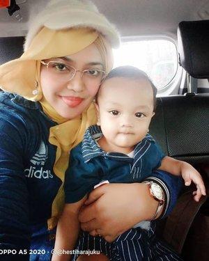 LATEPOST: #Denim #twinstyle #MomandSon by #Mommy @hestiharajuku x #Baby Artanabil (9 m.o) 🥰😉❤️----#clozetteid#nhkkawaii#modestwear #modestfashion #gyarumama #Lancomeglasses