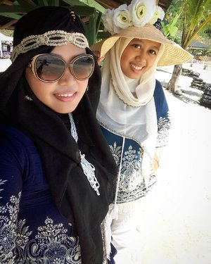Sun,  February 26th, 2017 ---- 🔥🌟🔥a at #SariRinggung #Beach #Lampung with my sis in law @dewirahmawati29 🔥🌟🔥we are #awesome #twin !😎 #clozetteID #seashore #modestfashion #hijabtraveler #traveling #travelstyle #Hootd #ootd #fashion #style #stylishmodesty #stylecovered #beachlover #Sumatera  #headscarf #Twinstyle