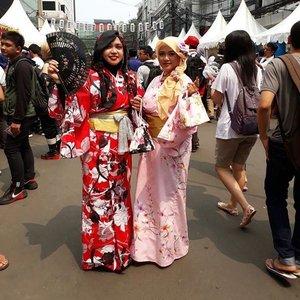 Sat, May 13th, 2017 --- 🍧🍙🍡 #JFashionJumpers report for #KawaiiInternational at #Ennichisai #LittleTokyo #JapaneseCulture #AnnualFestival in #Jakarta . 13-14 May 2017 👘🗾🎋🎍🎎🎊 Di sini tanpa harus ke Jepang, kita bisa tahu #BudayaJepang . Jadi kalau nanti kamu ke #Jepang beneran , udah nggak kagok😊🍡🐙🍙🍧 - - - - #clozetteid #japanstyle #Yukata #Kimono #fashion #style #hootd #headscarf #stylecovered #obi #foodtraveling #foodtraveler #foodandfashion #modestfashion #modestwear