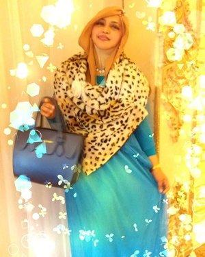 Sat, Nov 5th, 2016---- Always proud to wear my own #fashiondesign 😉👑💕👠 💕 #Princess #disneyprincess #modestCinderella #disneyprincess #Disneyinspiration 😊👑👗👠 #clozetteID @clozetteid #hootd #ootd #modestfashion #modestwear #graduationparty #stylecovered #fashion #style
