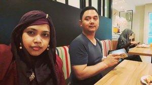 LATEPOST:Tuesday, August 7th, 2018 --- Day 2: Training calon Asesor #PoliMedia with BNSP at @hotelpermata #HotelPermata #Bogor. 🍛🥗🍲Daku n hubby @erdin.saef at #breakfast dengan muka bantal 😩🤣🙈 🍲🥗🍛PS: Happy #Milad hubby @erdin.saefBarakallah... amiin ya rabbal alamin!... semoga doa2nya terkabulkan 😘💗-- ❤💗❤💗❤💗Hari kedua, deadline bikin keram 🤣💗❤💗❤💗❤#clozetteid#nhkkawaii#modestfashion#couplegoals
