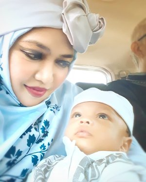 Wed, JUNE 5th, 2019 ---- 🕋🕌🕋🐪🐫🌴⭐🌙 Assalamualaikum, #Son ! Today is your #FirstEid . Maybe you still cannot realized that you complete my life now, my Artanabil.. but maybe you know that I'm the one who will be there for you whenever you need someone to help you... love you and fix your prob 😜. I am not an angel 😇, Son. Neither a devil 😈 haha. I'm only human and there is no perfect human in this world. Believe me. One thing you shud know is... this imperfect woman will always try her best to be your #Mother. - - #EidMubarrak ! #Happy #idulFitri1440H / #Lebaran2019 .  #MinalAidinWalFaidzin .... #taqoballahuminnawaminkum ... #MohonMaafLahirBatin , guyz! 😉 - - - #parentinglife #nhkkawaii #clozetteid #lebaranootd #hootd #turbanstyle #modestwear #modestfashion #MomandSon #moslemfamily #ArtanabilRafisqyErlan #2monthsbaby