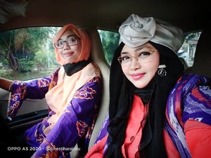 LATEPOST: Friday, August 14th, 2020---- 🎉🎊🎉👗👘👠💄🧥🧤👢 Thank you mba @rachmawatyrayfor pick me up! ❤️❤️❤️Jazakillah khairan katsiiraa...❤️❤️❤️ Anyways #dresscodehari ini #purple , guyz!... Yes, di setiap event / meet up, para dosen #DesainMode#Polimediajuga suka bikin dresscode dengan #thematiccolor gituu... Hihihi... Biar tambah seru ajaaahh dan lebih ketjeh di acara #photosesion 😜-----#clozetteid#fashionlecturer#lecturer #ModestFashion #modestwear