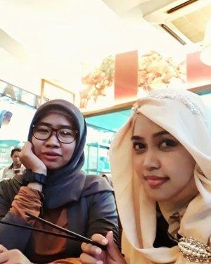 Thu, June 22nd, 2017--- #HappyIftar #Ramadhan2017 !... Bikin #boomerang biar #kekinian 😂😂😂... 🍜🍛🍲🍝 - - - - - - - #clozetteid #fashion #style #hootd #modestfashion #modestwear #bukber #ImperialKitchen #CibuburJunction #foodhunter #foodtraveler