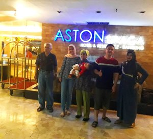 LATEPOST:  One night at #AstonBraga #Residence  with our #family  before we left #Bandung . --- --- --- #clozetteid  #nhkkawaii  #modestfashion  #modestwear  #hijabtraveler  #EidMubarak #classy  #Eid1439H
