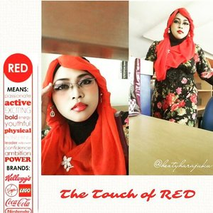 August 5th, 2015 ----💋👠🌷 #GoDiscover #ClozetteID #TheTouchofRed @simpati @clozetteid 🌷👠💋 #HijabChallenge #modestfashion #coveredstyle #scarf #headscarf #hijabstyle #HijabIndonesia #OOTD #fashion #style #hijabi #flowerpattern #vintagestyle #vintagefashion 💋👠🌷The first day back to campus after Eid's holiday, and I choose #Red , the color of #fightingspirit #passionate #active #power ... 😉