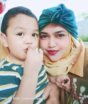 LATEPOST: Me & #MyBaby yang udah 2 taon ajaaah... 🤭✨  - - - - - #turban  #Momandson  #clozetteid  #parentinglife  #toddler