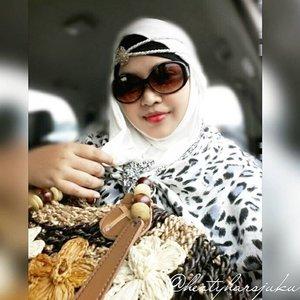 👜👠🚘 August 26th , 2015 ---- OTW to Yogya via Cirebon . C U again Jakarta! Traffic oh traffic... hahaha... 🚘👠👜 #muslimahtraveler #stylishtraveler #bohostyle #OOTD #fashion #style #trip #travel #ClozetteID #modestfashion #coveredstyle #scarf #headscarf