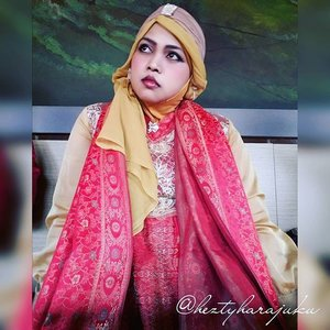 Friday, August 28th, 2015 ---- #MuslimahTraveler Day 3 : My brother 's engagement #modesty ceremony 💑💍💐 Our dresscode is #Red , the symbol of #celebration and #happiness . I wear my #anarkali #salwarkameez #Indiandress with #turban ---> designed by me. My Mom wears BatikHanbok, also my own design 💐💍💑#modestfashion #coveredstyle #ClozetteID #OOTD #hotd #hijabstyle #hijabi #hijabista #MuslimahIndonesia #HijabIndonesia #elegance #coveredstyle #India #fashion #style #ethnicstyle #bohostyle #headscarf #Indonesia #stylishtraveler  #travelgrammer