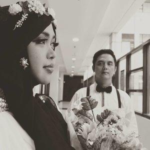 Wednesday, November 3rd, 2017---Eaaaaa.... Sudah masuk bulannya nih!🙈💓💓💓💓💓🙈💍🌹 15 days to 18-11-17... 💍🌹The nu journey will begin... Bismillah! 🌹♥️👰💖💍---Theme:  #Vintage #Romantic #Campus 💜#Photographer: @wawaaank & @inkamarshanda 💖Location: #WismaPoliMedia #Jakarta ---#clozetteID #hootd #ootd#prewedding#vintagestyle#modestfashion#lecturers#modestwear#HestiErlanWedding#CountDowntoNov182017#nhkkawaii