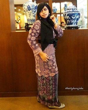 Tue, Nov 15th, 2016--- Wearing #mauve #kebayarajut ( #knitted #kebaya ) with #black #obibelt and #rokplisket #Betawi at #Hanamasa #japaneserestaurant , hang out with my colleagues at #publishingpolimedia for #lunch 👠👗👑 photo credit and dress by Bu Ingrid haha. 😄 Makasi Bu Periku yang cantiik dan baiik... 😘 👑👗👠 #clozetteID @clozetteid #hootd #ootd #modestwear #modestfashion #headscarf #ethnicstyle #stylecovered #JakartaStreetStyle