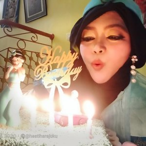 Sunday, January 17th, 2021---- 🎂✨🍰 #Makeawish or #wishes ,🤭😂✨ Bismillah... All the best aamiin....yra....-----#nhkkawaii #clozetteid #Modestfashion #Disneytheme #Disneyprincess #PrincessJasmine#Birthdaycake#PrincessJasmineBirthdayCake