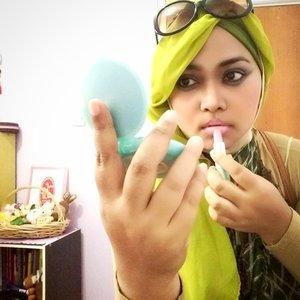 "...""Read My Lips!... 💋🍀🐦💚 😉#OOTD #MixingPlaids #COTW #ClozetteID 🍈🍏🍀 |👗#beigegown : #Harajuku #Japan | 👓 #sunglasses : #Levis | 💚 #darkgreen #plaids #pashmina | 💚 #lemongreen #headscarf : #allscarfs #zaloramuslim #stylist: @heztyharajuku | 💄#makeup : #wardahbeauty #cosmetics #fashionaccessories  #fashionoftheday #fashionista #instafashion #instadaily #modestfashion #coveredstyle #fashion #style"