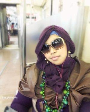 Nov 26th, 2016----#SoloTrip part 1 to #Bogor . #hijabtraveler on #commuterline. #clozetteID @clozetteid #hootd #ootd #fashion #style #stylishmodesty