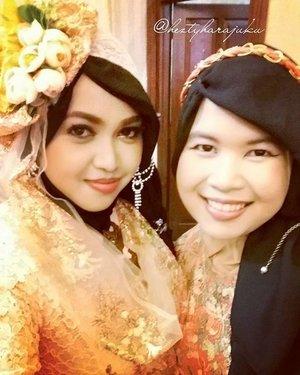 March 27th, 2016--- Look #gorgeous and elegant with my sista @eikoshinrai #JFashionJumpers at the #weddingreception of my youngest baby bro Uli and his #beautifulbride Rara💖👰💜 @clozetteid #ClozetteID #betawi #kebaya #peach #headpiece #vintagefashion #modestfashion #modestwear #coveredstyle #headscarf #scarf #elegant #muslimwedding #instafashion #instamoment #fashiongram #makeup #hijabfestive #WeddingParty