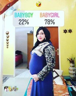 """Thu, Nov 29th, 2018--- 👶❤🤰 """" #HasilPolling #Netizen dalam menebak JK debay #HestiSensei dan Bapak Dr. @erdin.saef 😉 """"Hehehe... ternyata banyak yg menduga #Babygirl ya... 🤣 Well, kami belum tahu sih, karena terakhir x di USG jg si Kk Bebi belum mau buka rahasianya 🤣 Masih pengen bikin Mami Papinya penasaran ! 🤣🤣Akan dicoba lagi pertengahan bulan Desember nanti, semoga sudah bisa ketahuan nih... JKnya apa hehe.TAPI... yg paling penting tentu aja kesehatan dan kesempurnaan tumbuh kembang Kk Bebi amiiin... love you, Sayaaang!...❤❤❤❤---#clozetteid#bollywoodstyle#babyinwomb#5monthspregnancy#MilennialMom"""