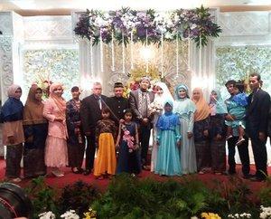 "Sun, Dec 4th, 2016--- "" The Abdul Rodjak #Bigfamily On the #WeddingDay "" of Sophia / Oping in #RoyalRegalHotel #Surabaya👰👸💕💐 #Happy #Wedding , Ping! All the best! Amiin... 😉✈😎 @clozetteid #clozetteID  #hootd #modestwear #modestfashion #stylecovered #fashion #style #traveling #SurabayaTrip  #headscarf #fashionvlogger #fashiongrammer"