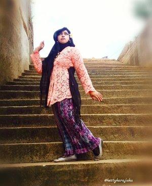 December 2016 ---💕👑🚗 Being #Javanese #Queen at #TebingBreksi #Prambanan #Yogyakarta . Photocredit: my sis in law @dewirahmawati29 . Camera: #SamsungJ5 👑👠💕 🚗👑💕 #clozetteID @clozetteid #hootd #ootd #fashion #style #traditionalcostume #modestfashion #stylecovered #modestwear #PuteriKeraton #headscarf #fashionvlogger #hijabtraveler #fashiongrammer #JavaneseLady #kebayamodern  #VisitYogya #Yogyatrip