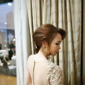 Being pretty needs effort 😜 - 💄 by myself 👗 @moishells 📸 @johanfernandi . . . #beautybloggerindonesia #indonesianbeautyblogger #indonesianfemalebloggers #makeuplover #makeup #makeupparty #hairstyle #hairdo #dress #partydress #clozetteid