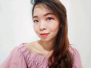 Simple eye, cheek, lip makeup only by using @fabilbeauty.official  lip cream. Cocok banget buat kita yang lagi keburu2 dan perlu tampil fresh secepat kilat. Gak usah khawatir sama teksturnya karena memang sudah didesain sedemikian ruoa hingga bisa dipakai di mata, pipi, dan bibir.  Mengandung ekstrak Moringa, halal, dan aman dibawa wudhu. Selengkalnya silahkan cek aja blog/ youtube aku say.  #smartbeautycommunity #SMBxFabilBeauty #fabilbeauty #LipCreamFabil #SMBReviewCollab #lipcreamhalal #lipcreamlover #clozetteid #qupas