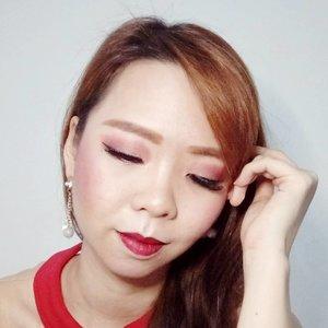 Turut memeriahkan anniversary @beautiesquad #bs2tahun, ini hasil #marronthemed #makeuplook aku buat ikutan #pacxbeautiesquad giveaway-nya.  Yuk teman2 beautiesku ikutan giveaway-nya. Hadiahnya dwri @pac_mt super menarik lho! @oliveetheo @tirizosmond @renataaprianti  #maroonmakeup #makeuplover #makeupjunkie #makeup #asianmakeup #makeuplook #makeuplife #makeupideas #beautiesquad #boldmakeup #giveawayannivbs #brushedbymels #clozetteid #makeuplooks