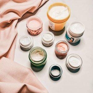 Tuesday is the time for #texturetuesday. Isn't it so cute to see the row of jars like this? 🤭  #moisturizer #cleansingbalm #koreanbeautycare #koreanskincare #skincareblogger #skincareregime #kbeautyblog #kbeautycommunity #skincareenthusiast #skincareobsessed #koreanbeautyproduct #igskincare #cleanbeauty #iloveskincare #365inskincare #treatyourskin #takecareofyourskin #skincareflatlay #slaytheflatlay #beautyflatlay #idskincarecommunity #clozetteid