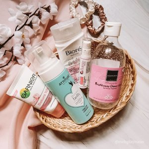 Yeay! Finally I can post my #mayempties and surprisingly I spent quite a lot items this month.  In frame: @garnierindonesia sakura white pinkish radiant foam @attitudeliving_id blooming belly natural foaming face cleanser (for pregnant woman) @id.biore body foam bright lovely sakura @pratista.official centella enrich serum @scarlett_whitening shower scrub pomegrante . . . #skincareempties #skincareblogger #skincaredaily #facecare #selfcarethreads #skincarethread #skincareenthusiast #skincareessentials #cleansingfoam #igskincare #igtopshelfie #itgtopshelfie #skincareflatlay #beautyflatlay #flatlayoftheday #flatlaystyle #flatlaytoday #skincareobsession #skincareaddiction #skincarejunkie #skincarelover #aesthetic #aestheticallypleasing #idskincarecommunity #clozetteid #365inskincare #takecareofyourskin #beautefemmecommunity