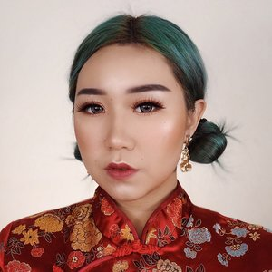 🧧happy chinese new year🧧 - upload duluan karna besok kalian pasti sibuk berburu angpao WKWK jan lupa liat tutorial dari looks ini di videoku sebelumnya✨ . . . #happychinesenewyear #chinesenewyear #cny #2020 #lunarnewyear . . . . . . . . . .  #makeup #indobeautygram #clozetteid @clozetteid @indobeautygram #tasyashoutoutfarasya @tasyafarasya #dwiendahpusparini @dwiendahpusparini #sbyglamsquad @sbyglamsquad @janineintansari @cindercella #janineintansari #cindercella