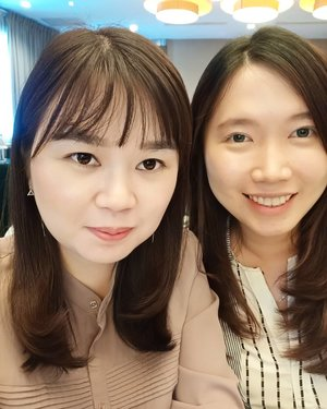 Selfie with this beautiful consultant 😍😍😍.. Well,  H-? till we will selfie again 😂😂..Let's make our trip incredible 😊...#latepost#clozette#clozetteid#lifestyle#beauty#fashion#like#likeforlike#instalike#instaphoto#potd#ootd#motd#makeupoftheday#koreanmakeup#nomakeupmakeuplook#natural#look#beautiful#consultant#tax#ikpi#ppl#seminar#aston#funniestling