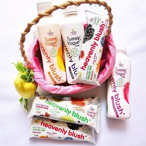 Sesekali bahas makanan dan minuman d blog boleh kali yah. Apalagi ngga sembarangan minuman dan makanan karena kandungannya yg kaya akan manfaat terutama bagi kesehatan yaitu tentang @heavenlyblushyogurt Tummyogurt Bar and Drink . Link on bio atau baca lengkap disini: https://misskarulina.blogspot.co.id/2017/06/heavenly-blush-yogurt-drink-and-bar.html?m=1 . #Clozetteid #yogurt #heavenlyblush #yogurtarian #kbjxheavenlyblush #heavenlyblushtummyogurt #cheersyogurt #cheersfortummy #heavenlyblushyogurt #heavenlyblushtummyogurtbar #nationalyogurtday2017 #kawaiibeautyjapan