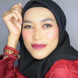 👀 @x2softlens : X2 Glam - Aquamarine.#MOTD #X2 #X2Glam #Clozetteid #bandungbeautyblogger #beautybloggerbandung #hijabblogger