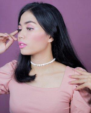Hohohoho video #barbiegirlchallenge is going to be up tomorrow!! Sekarang kasih sneek peak Barbie Asia (karena rambutnya itam) tampak samping dulu. 😛 • #clozetteid #makeuplooks #barbiechallenge #beautybloggerindonesia #makeup #makeupchallenge #beautybloggerjogja #jogjabloggirls #indobeautysquad
