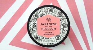 Setelah minggu lalu aku bahas fragrance mist-nya sekarang giliran bahas body cream dari The Body Shop. Body Cream ini  wanginya tahan lama dan melembabkan. Lengkapnya cek di http://www.hellocya.com/review-the-body-shop-japanese-cherry-blossom-body-cream/  Atau klik link di bio yahhhh~  #thebodyshop #thebodyshopindo #bodycream #beautyblogger #indonesianbeautyblogger #beautybloggerid #indonesianfemalebloggers #bloggerperempuan #makeup #skincare #bodycare #bloggerceria #clozette #clozetteid #clozetter #clozettedaily