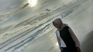pantai parangtritis   #ClozetteId #pantai #parangtritis #jogja #explorejogja #indonesia #holiday #hijaber #instame #instapicture #hijaber #instamood #instalook